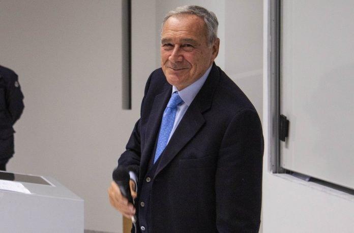 Intervista a Pietro Grasso, ospite di un incontro con gli studenti dell'Università Bocconi, per raccontare i suoi quarant'anni in magistratura.