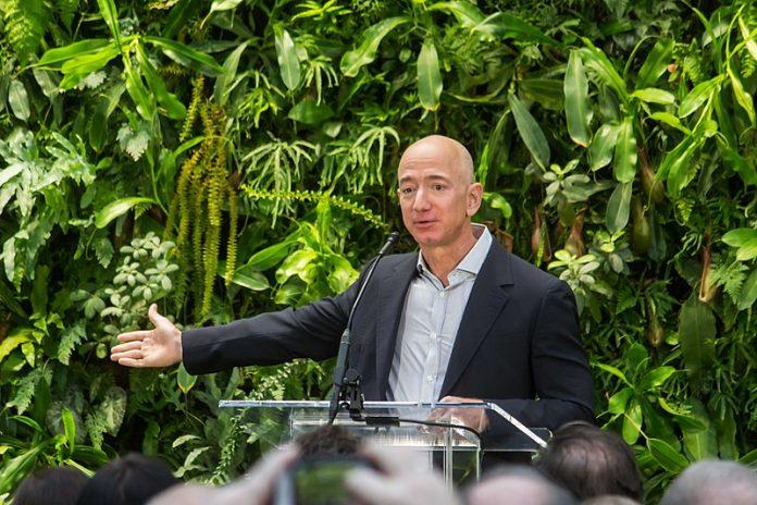 Jeff Bezos all'Amazon Spheres Grand Opening, Seattle